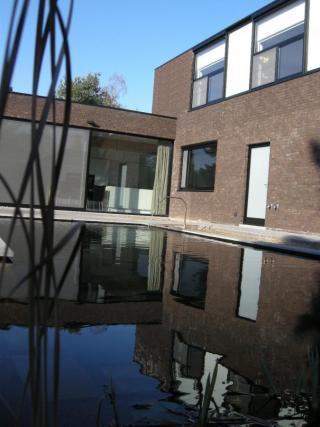 architect modern Mol